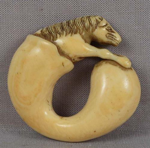 18c netsuke HORSE out of Chokwaro Sennin�s gourd