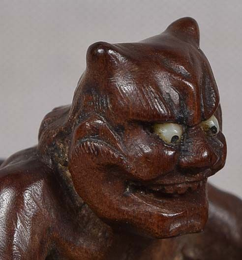19c netsuke ONI making Buddhist scepter by JUGYOKU