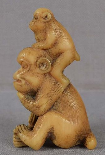 Early 19c netsuke MONKEY with young