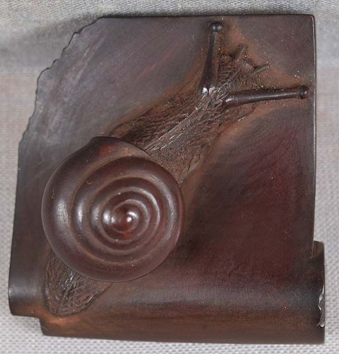 19c netsuke SNAIL on roof tile from FHC collection of 1923