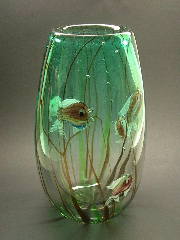 Massive Aquarium vase by Alfredo Barbini