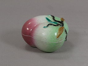 Chinese Porcelain Peach Box Green/Rose 19th Century