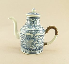 Chinese Porcelain Blue and White Wine Pot Circa 1800