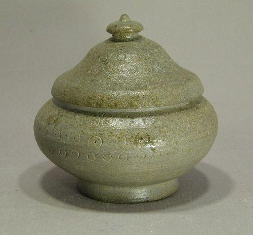 Korean United Silla Dynasty 8th Century Small Jar Stamped Design