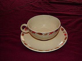 Universal teacup and saucer