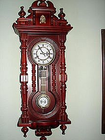 Reproduction Keyhole Clock