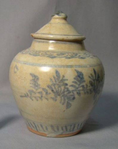 Chinese Ming Dynasty Blue and White Jar with Lid
