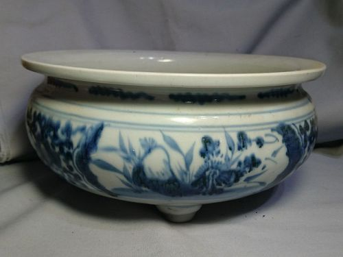 Large Chinese Qing Dynasty Blue and White Tripod Censer