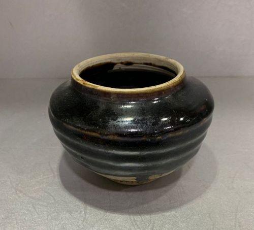 Chinese Yuan Dynasty Black Glaze String Jar