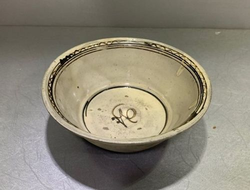 Chinese Yuan to Ming Dynasty Cizhou painted Bowl