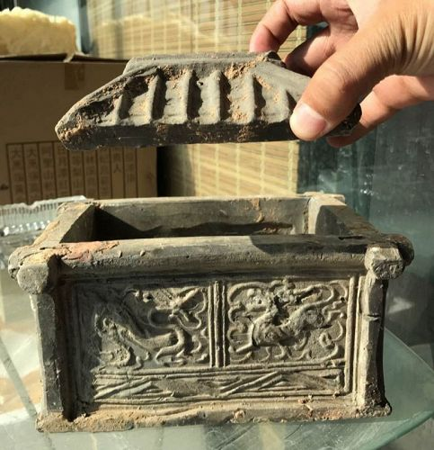 Chinese Han Dynasty Pottery Well with Roof