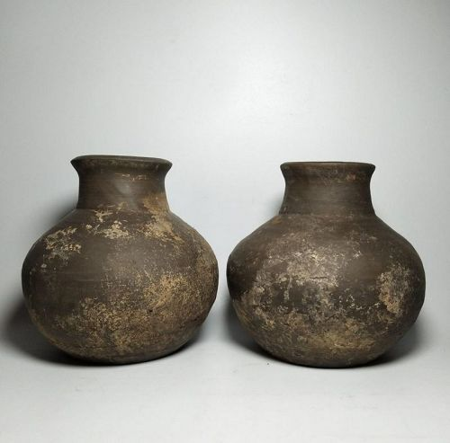Pair of Chinese Han Dynasty Pottery Jars