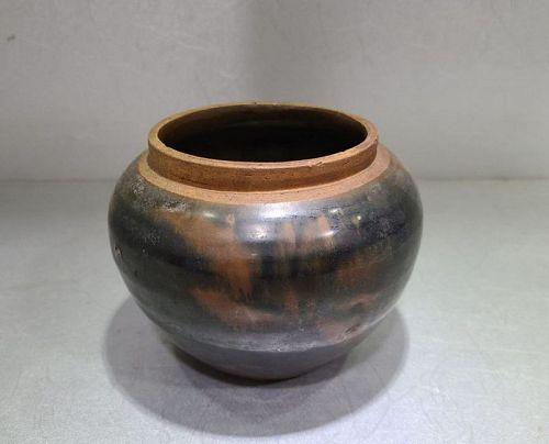 Chinese Qing Dynasty Cizhou Iron Splashes Jar