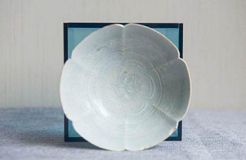 Chinese Song to Yuan Dynasty Hutian Foliated Bowl