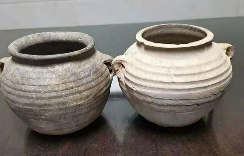 Pair of Chinese Han Dynasty Pottery Pots