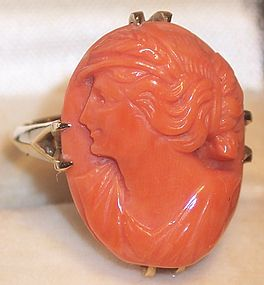 Fine Italian Hand Carved Coral Cameo 10k Gold Ring Sz6+