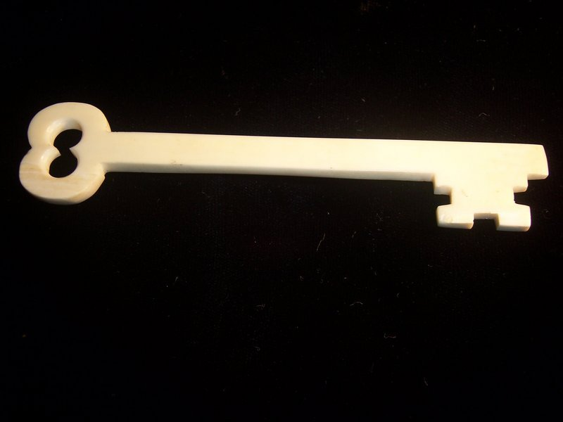 Antique American Ivory Scrimshaw Key Whimsy 19th Cent.