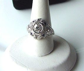 ART DECO PLATINUM & DIAMONDS RING