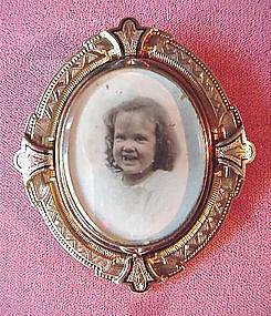 VICTORIAN SWIVEL PICTURE LOCKET { GF 1875