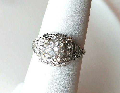 PLATINUM DIAMOND ENGAGEMENT RING 1.08 CARAT CENTER DIAMOND ca. 40's
