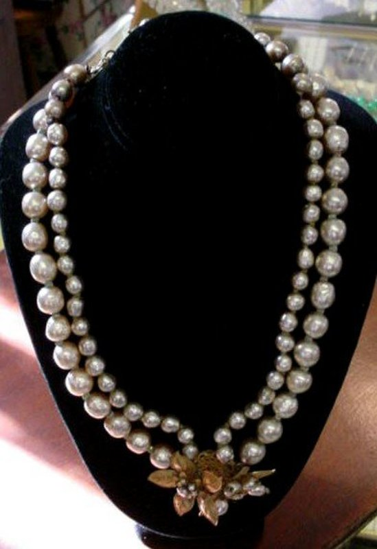 BEAUTIFUL MIRIAM HASKELL PEARLS NECKLACE