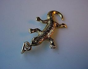 18K GOLD LIZARD CHARM ESTATE PIECE ca. '50-'75