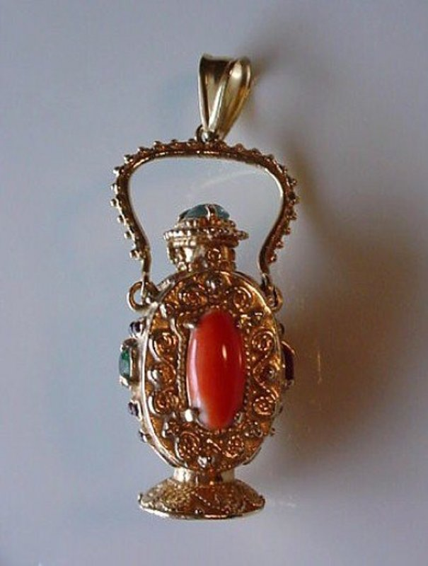14K JEWELED PERFUME FOB...IN THE SHAPE OF AN URN