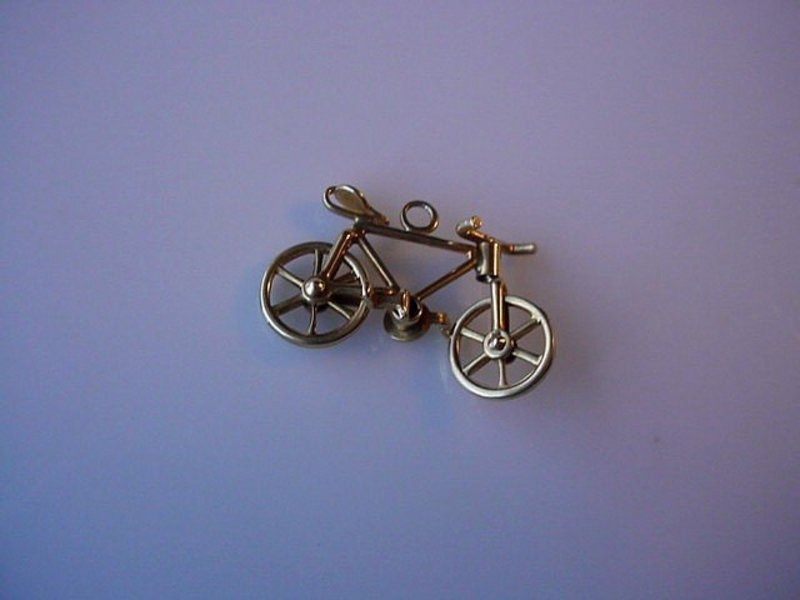14K BICYCLE CHARM MOVABLE WHEELS