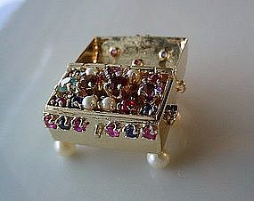 14K GOLD TREASURE CHEST CHARM LADEN WITH GEMS INSIDE