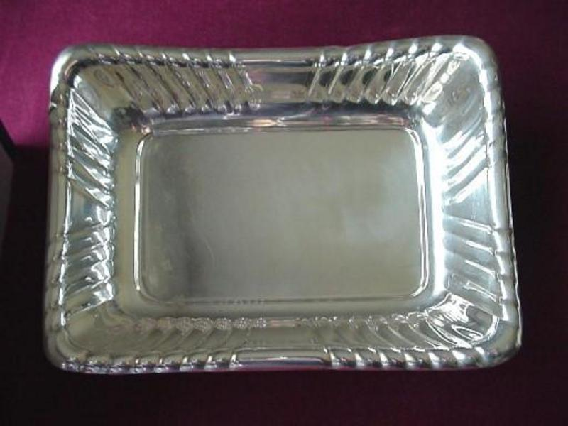 EXCELLENT REED & BARTON TRAY { FLUTED Edges