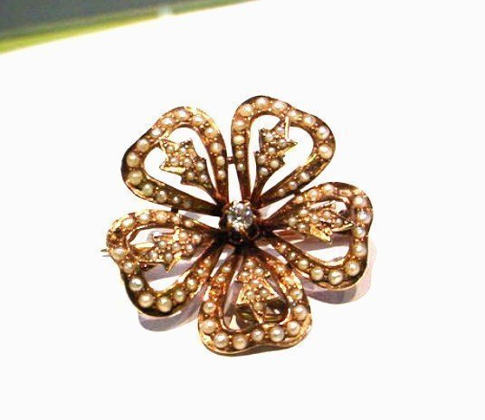 ANTIQUE DIAMOND GOLD & SEED PEARL SHAMROCK BROOCH