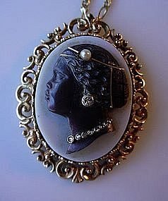 HARDSTONE CAMEO LADY GOLD & DIAMONDS BLACK MEMORABILIA