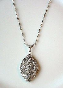 BEAUTIFUL ART DECO PLATINUM DIAMOND NECKLACE