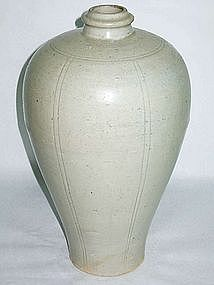 Song Dynasty - Tall Yingqing or Qingpai Meiping Vase