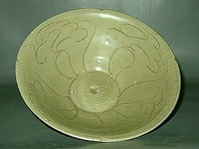 Song Dynasty - Incised Green Glazed Bowl