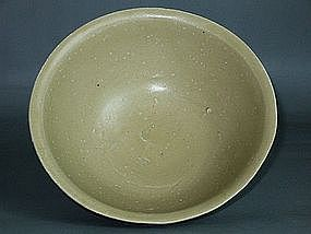 Song Dynasty - Monochrome Green Glazed Bowl