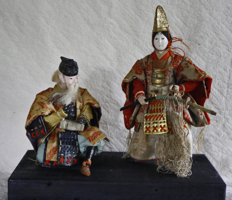 Musha ningyo warrior dolls Empress Jingo & her minister