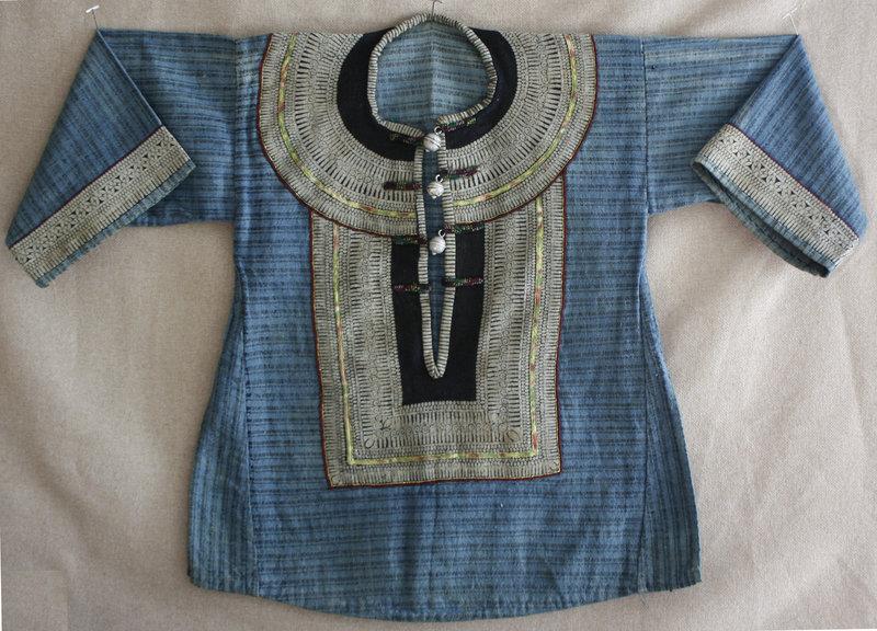 Yi Chinese Ethnic Minority small girls shirt