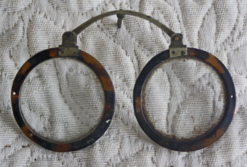 Antique Chinese Pince Nez tortoise shell rim eyeglasses
