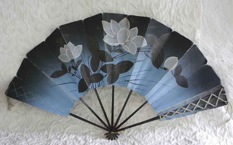 Antique Japanese paper folding  fan early Meiji late Edo