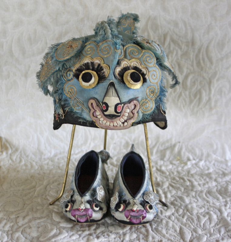 Antique Chinese child's embroidered matching cat hat and shoes