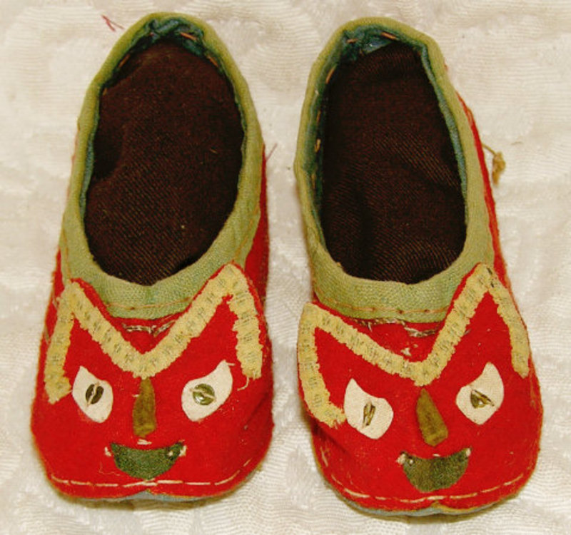 Antique pair Chinese red cat face shoes for small child