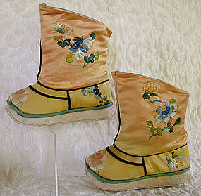 Chinese Qing dynasty Han embroidered childs boots