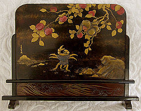 Very Fine Japanese signed small tabletop screen Makie