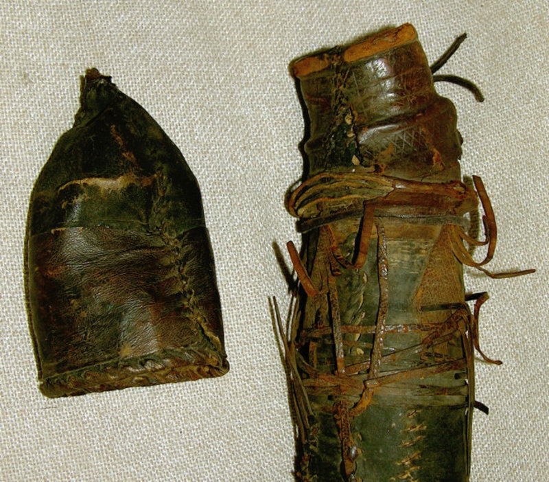 African Pygmy leather quiver with arrows