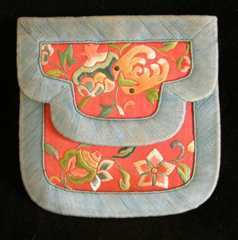 Antique Chinese Lady's silk embroidered small purse