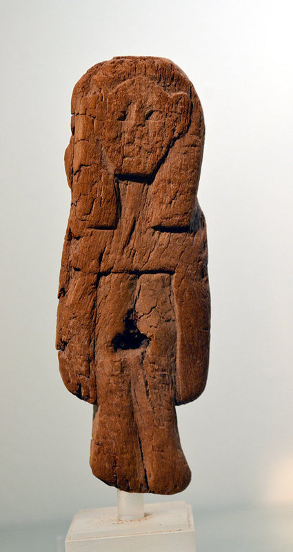 AN EGYPTIAN WOOD FIGURE OF HATHOR - Ex. MET. MUSEUM