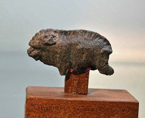 AN ANCIENT ROMAN BRONZE FIGURE OF A BOAR