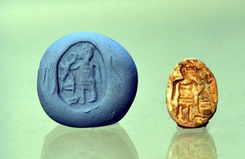 AN ANCIENT EGYPTIAN HEDGEHOG SCARAB
