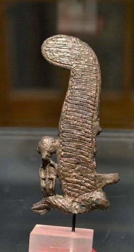 AN ANCIENT EGYPTIAN BRONZE OSIRIS PLUME